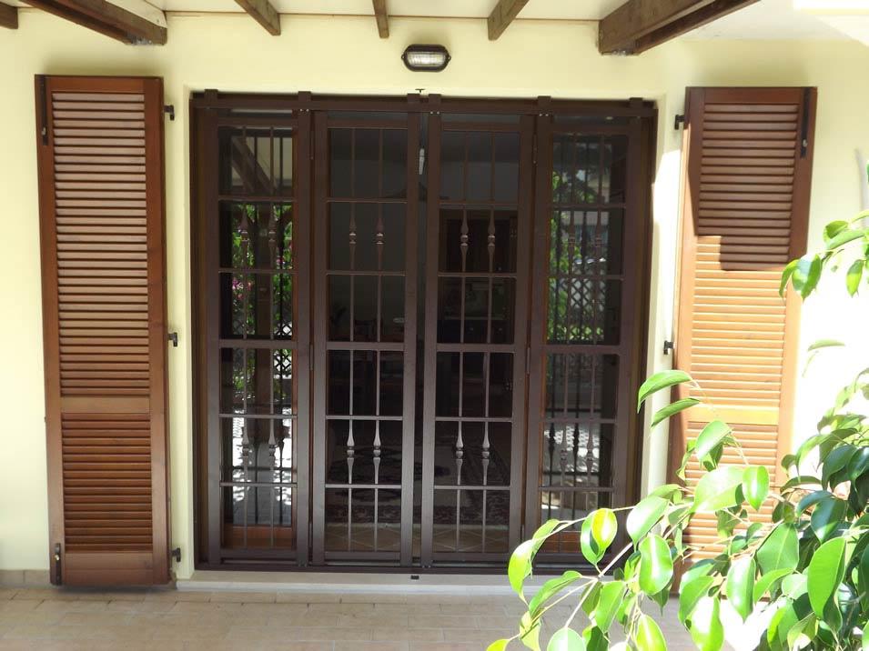 Grate di sicurezza apribili le inferriate di protezione - Grate per finestre villa ...